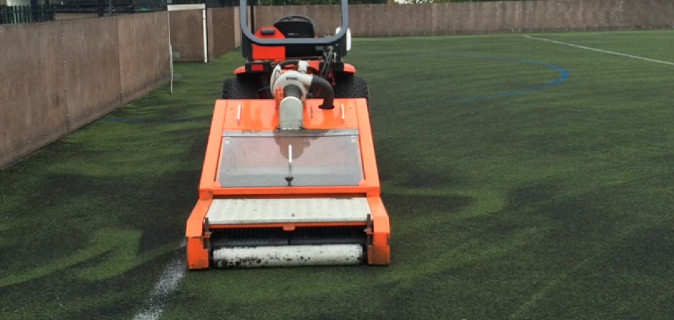 Football & Rugby Rubber Filled 3G Pitch Maintenance 4