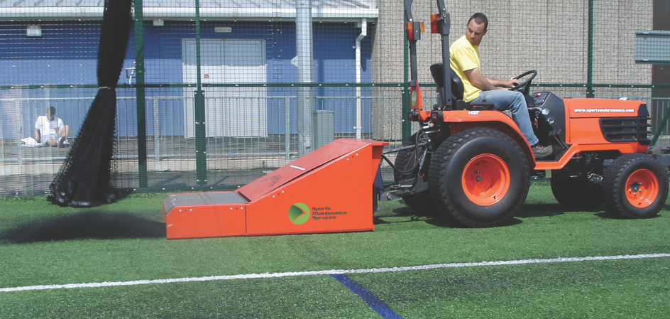 Football & Rugby Rubber Filled 3G Pitch Maintenance 8